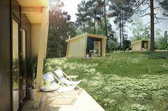 Esta graciosa casinha de apenas 32m² é uma criação da espanhola viVood Arquitectura. A pequena casa chega em uma grande caixa (coitado do carteiro), que po