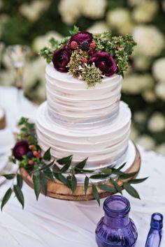 Jewel wedding cake - Gorgeous Fall Wedding Cakes We're Drooling Over – Jewel wedding cake Jewel Wedding Cake, Fall Wedding Cakes, Wedding Cake Designs, Our Wedding, Wedding Flowers, Dream Wedding, Floral Wedding, Trendy Wedding, Wedding Season