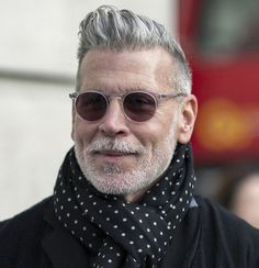 Nick Wooster Has Great Grey Hair Best Hairstyles For Older Men, Older Men Haircuts, Cool Haircuts, Cool Hairstyles, Men's Haircuts, Mens Grey Hairstyles, Latest Hairstyles, Cabelo Do Brad Pitt, Hair And Beard Styles