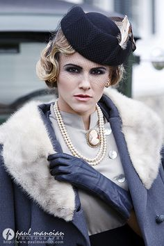 1930s Vintage Fashion Photo Shoot