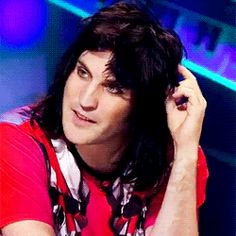 Noel Fielding He kill's me every time with the hair twirl.