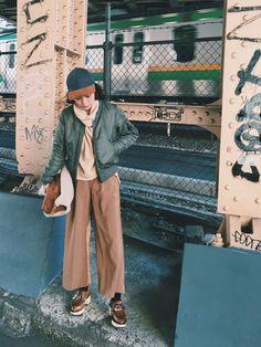 長澤メイさんのその他シューズ「TOGA PULLA TOGA PULLA キルト木靴」を使ったコーディネート