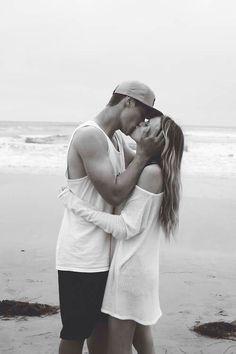 Image via We Heart It https://weheartit.com/entry/94432967/via/11303975 #beach #couple #kiss #life #love