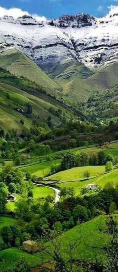 Valle del Pisueña, Spain - #photography