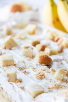 This cool and creamy Banana Pudding Dessert is simple to put together and 'oh so delicious! Make in a square pan or easily double for a dessert! Banana Pudding Desserts, Pudding Pies, No Bake Desserts, Easy Desserts, Pie Recipes, Dessert Recipes, Yummy Recipes, Strawberry Coffee Cakes, Banana Pudding Cheesecake