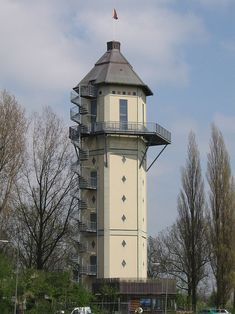 Water tower in Dubbeldam, The Netherlands - photo by Steinbach, via Wikipedia;  36.40 m high
