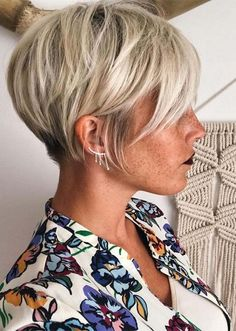 Hair Cuts If you are a self-respecting woman that wants to cut her hair short, you should check out the pixie cuts we prepared for you. Don't pass by . Popular Short Hairstyles, Cute Short Haircuts, Thin Hair Haircuts, Short Bob Hairstyles, Pixie Haircuts, Hairstyles Haircuts, Short Hairstyles For Thin Hair, Short Hair Cuts For Women Pixie, Thin Hair Pixie