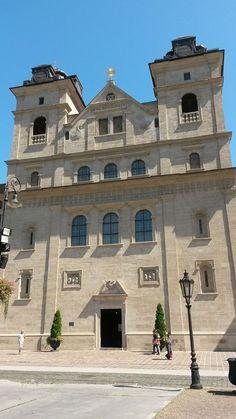 Premonštrátny (bývalý Jezuitský) kostol v Košiciach - www.jezuitike.eu/index.php?option=com_content...
