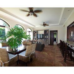 Santa Ana lovely four bedroom ample home in condominium