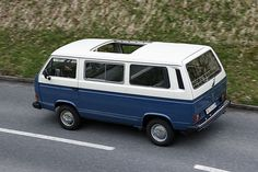 VW T3 Caravelle (1979-1992) want one with that sunroof...