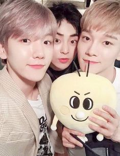 Find images and videos about exo, baekhyun and chanyeol on We Heart It - the app to get lost in what you love. Chanyeol, Kyungsoo, Baekhyun Selca, Exo Ot12, Chanbaek, Kpop Exo, Exo K, K Pop, Coex Artium