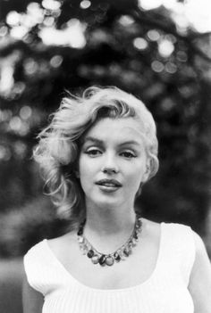Marilyn Monroe, photographed by Sam Shaw in 1957