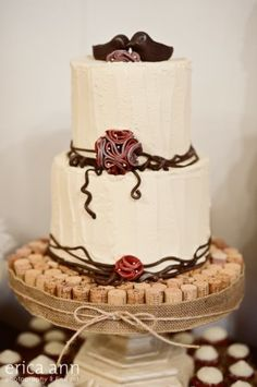 www.sugarcubedcc.com home made cake stand out of wine corks!