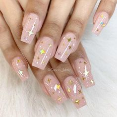 On the intagram, all manicurists posted a new coffin nail. Thousands of clicks will be awarded in a short period of time. Why Coffin nails is the darling of the nail art, let's analyze it today. #glitterpinknails #AcrylicNailsGlitter Acrylic Nails Stiletto, Square Acrylic Nails, Acrylic Nail Art, Square Nails, Nail Art Diy, Acrylic Nail Designs, Coffin Nails, Aycrlic Nails, Fall Nails