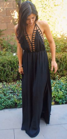 Love this maxi... but I have no idea how I would wear a bra... whatever! Its so cute!