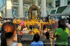 Temples in Thailand -  The original Four-Faced Buddha of  Erawan Shrine-The Face of Peace and Health. #shrines