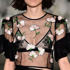 spunkychic:  velvetrunway:  Alice McCall S/S 2015 Posted by runway-disease   Fashion and models x