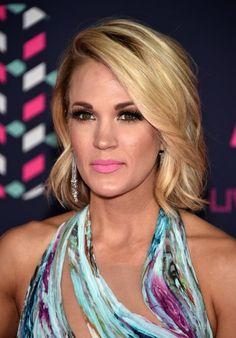 Carrie Underwood #CarriUnder #HotCelebs #BlondeBombshells #Country #USFem