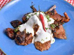 Receta | Solomillo de cerdo picante con salteado de shiitakes y trigueros - canalcocina.es