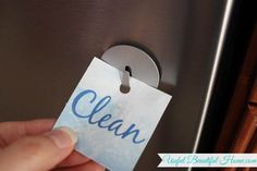 Clean or Dirty Dishwasher Sign ~ Free Printable! - a simple solution if you are constantly wondering if the dishes are clean or dirty