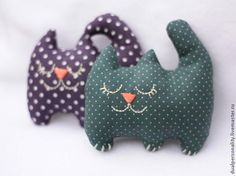 Cats hand made – 21 pictures Diy Stuffed Animals, Dinosaur Stuffed Animal, Rabbit Crafts, Diy Bebe, Little Kittens, Baby Cats, Sewing Dolls, Diy Pillows, Cat Toys