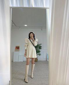 Korean Girl Fashion, Korea Fashion, Daily Fashion, Japanese Outfits, Japanese Fashion, Cute Comfy Outfits, Pretty Outfits, Korea Street Style, Foto Casual