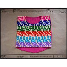 Ya pueden encontrar éste crop hilván multicolor tejido a mano por Eulalia en nuestra tienda en línea.  www.kichink.com/stores/recrear#hechoamano #handmade #comerciojusto #fairtrade #modaetica #eticfashion