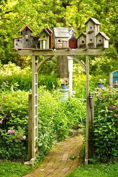 40 Fantastic Backyard Ideas On A Budget - Page 10 of 40 - Gardenholic Unique Gardens, Rustic Gardens, Beautiful Gardens, Modern Gardens, Farm Gardens, Small Gardens, Raised Gardens, English Gardens, Cottage Garden Design