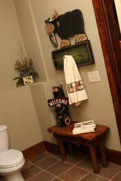 "Black Bear Hugo The Helper Towel Holder 8/"" Tall Restroom Bathroom Decorative"
