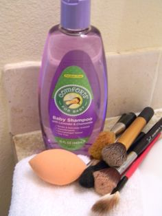 How to wash your makeup brushes. nicholepetrie.wordpress.com