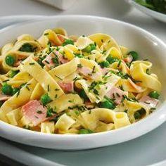 Tagliatelle with Ham, Peas & Crème Fraîche