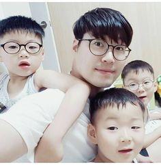 #Cr.@hwang_yunseon #Daehan Minguk ManSe #LalitaMuangman #Song's Cute Triplets
