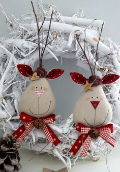 Tree decoration: Fabric - Christmas Tree Ornaments Moose Country House - a unique and . : Tree Decorations: Fabric – Christmas Tree Ornaments Elk Country House – a unique product by Feinerlei on DaWanda Diy Felt Christmas Tree, Fabric Christmas Trees, Christmas Ornament Crafts, Felt Ornaments, Christmas Art, Christmas Crafts, Christmas Sewing Projects, Theme Noel, Christmas Tree Decorations