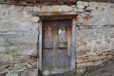Fachadas rusticas en casas pequeñas de estilo balcánico | Pequeñas reformas en Barcelona