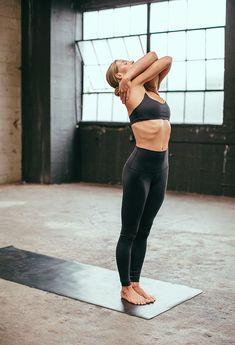 Yoga training in black sports wear Fitness Workouts, Yoga Fitness, Fitness Gear, Workout Tips, Workout Routines, Fitness Diet, Health Fitness, Sport Motivation, Yoga Inspiration