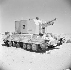 A Bishop 25-pdr self-propelled gun in the Western Desert, 25 September 1942.