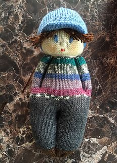 Andy Boy Doll was created as an outlet to use up sock yarn remnants. Finished doll measures about 8 inches. Exact dimensions will depend on the type of yarn used. Ravelry: Andy Boy Doll pattern by Ania A. I love knitting comfort dolls. Knitted Doll Patterns, Knitted Dolls, Crochet Dolls, Knitting Patterns, Knitting For Kids, Loom Knitting, Knitting Projects, Baby Knitting, Knitting Toys