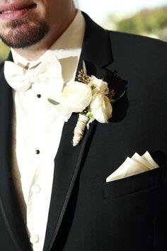 white boutonniere, ranunculus, Harry Photo