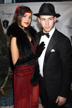 Pin for Later: 25 Ways Nick Jonas and Olivia Culpo Were Too Sexy-Beautiful And their looks got even more extravagant on Halloween. Disfarces Halloween, Couples Halloween, Couple Halloween Costumes, Olivia Culpo, Costume Gatsby, Gatsby Outfit, Diy Outfits, Speakeasy Party, Gatsby Party