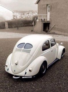 VW Split Window Beetle Bug in Wimbledon White.