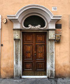 ~ Roma, Via di San Giovanni in Laterano ~ #viadisangiovanniinlaterano #viadisangiovanniinlaterano_ngni Stairs And Doors, Windows And Doors, Entrance Doors, Doorway, San Giovanni, Shutter Doors, Amazing Buildings, Unique Doors, Magic Kingdom