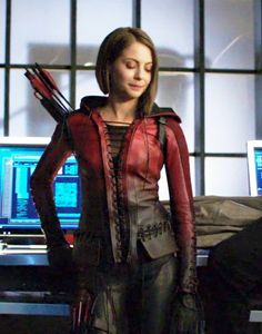 I love her suit! Willa Holland, Arrow Tv Series, Cw Series, The Oc, Gossip Girl, Arrow Black Canary, Thea Queen, Cw Dc, Dc Tv Shows