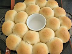 Pancitos en UNA Hora   Mi Vida en un Dulce Bread Recipes, Cake Recipes, Dessert Recipes, Cooking Recipes, Pan Rapido, Pancit, Fresh Bread, Cake Table, Sin Gluten