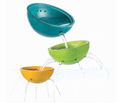 Fountain Bowl Set, consists of 3 different cups that kids can enjoy playing with at bath time. This traditional wooden children's bath toy from Plan Toys is super fun and encourages creativity. Scandiborn the best UK Plan Toys stockist. Water Toys, Water Play, Laura Lee, Brindille, Eco Friendly Paint, Plan Toys, Rubber Tree, Blue Bowl, Wood Tree