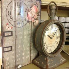 Nostalgische kalenderklok en super stoer old look exemplaar van Clayreeneef bij La PéCule www.lapecule.nl  ❤🌹 #klokken 🕰⏰🕢 #brocante #vintagestyle #stoer #clayreeneef #lapécule