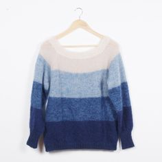 Free Knitting Pattern for a Fade Blouse Sweater. Oversized sweater pattern with ombre color blocks. Sweater Knitting Patterns, Free Knitting, Crochet Ripple Blanket, Blouse Patterns, Knitted Blankets, Knit Cardigan, Knit Crochet, Ombre Color, Fashion
