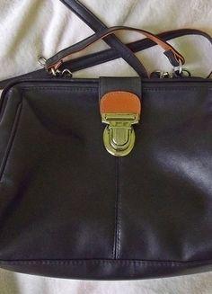 Atmosphere torebka kuferek w czekoladowym kolorze  Kup mój przedmiot na #vintedpl http://www.vinted.pl/damskie-torby/torby-na-ramie/14558816-retro-kuferek-atmosphere-czekoladowy