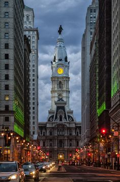 mistymorningme:  Phildelphia City Hall at Dusk, Philadelphia, Pennsylvania by jackie weisberg © Jackie Weisberg
