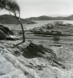 Ίος, 1950-55  Φωτογραφία: Βούλα Παπαϊωάννου  Φωτογραφικά Αρχεία Μουσείου Μπενάκη    Ios island, 1950-55  Photograph by Voula Papaioannou  Benaki Museum - Photographic Archives