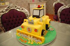 geburtstagstorte-bagger Cupcakes, Desserts, Food, Cake Ideas, Dessert Ideas, Digger Birthday, Digger Cake, Chef Recipes, Essen